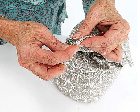 Finger, Wrist, Pattern, Nail, Thumb, Gesture, Visual arts, Vein, Wrinkle, Pattern,