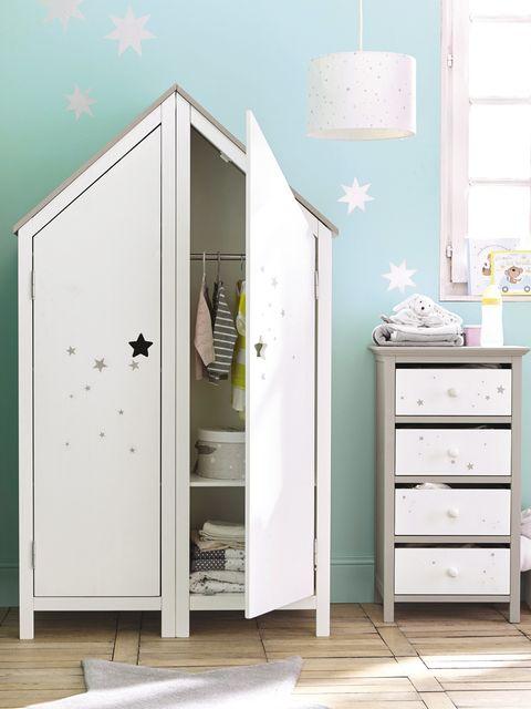 Armario infantil con forma de casita
