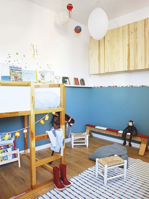 Room, Furniture, Bed, Building, Classroom, Interior design, Child, Kindergarten, House, Floor,