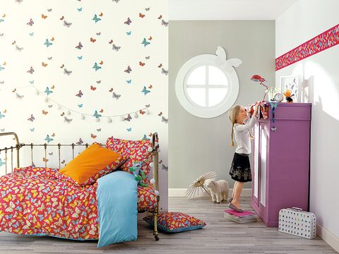 Room, Interior design, Textile, Wall, Bed, Bedding, Linens, Bedroom, Purple, Bed sheet,