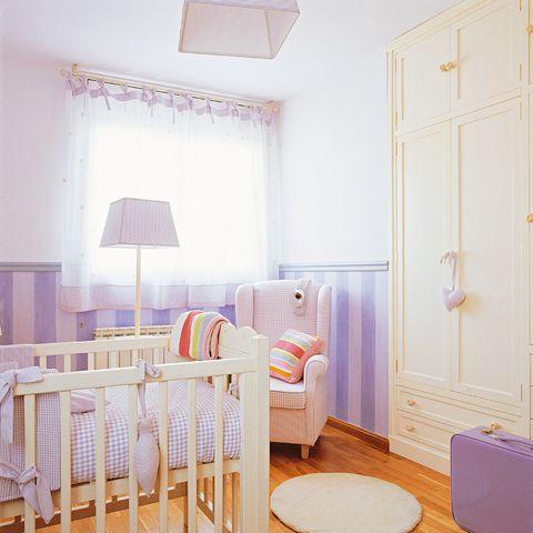 Decorar la pared de la habitación del bebé