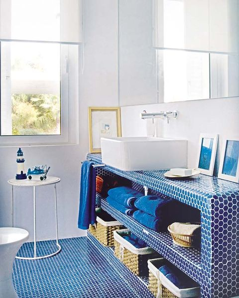 Blue, Room, Plumbing fixture, Product, Interior design, Property, Wall, Floor, Tile, Tap,