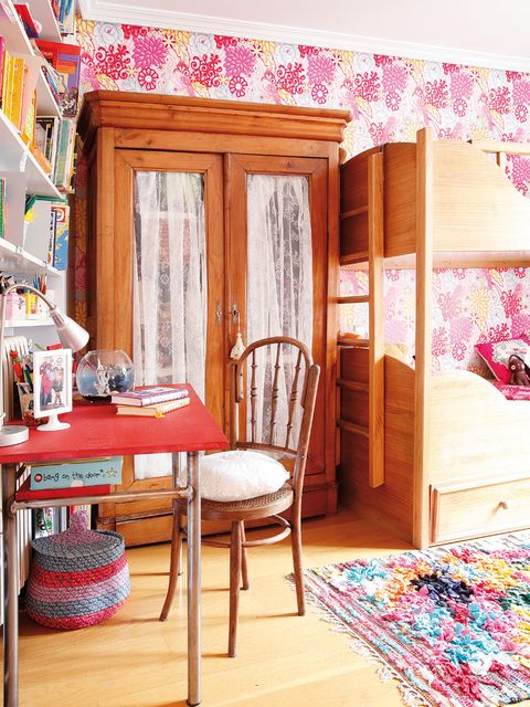 Wood, Room, Interior design, Textile, Floor, Furniture, Flooring, Pink, Hardwood, Shelving,