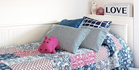 Bed sheet, Bedding, Furniture, Room, Bedroom, Bed, Wall, Textile, Pink, Pillow,