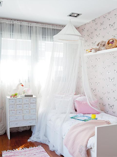 Room, Product, Interior design, Bed, Textile, Bedding, Bedroom, Linens, Bed sheet, Floor,
