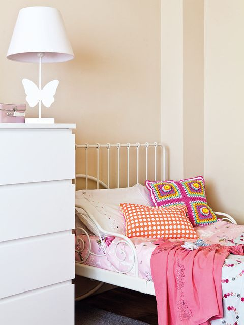 Product, Room, Interior design, Wood, Textile, Wall, Bedding, Bedroom, Pink, Linens,