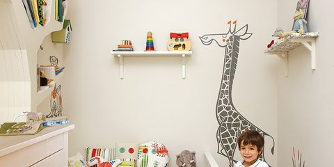 Wood, Giraffe, Room, Interior design, Flooring, Floor, Furniture, Giraffidae, Table, Hardwood,