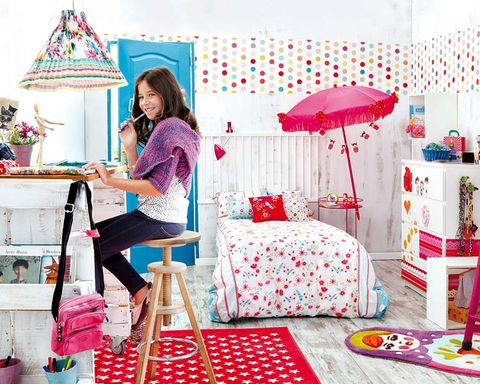 Room, Textile, Pink, Furniture, Interior design, Linens, Magenta, Lamp, Bedroom, Bedding,