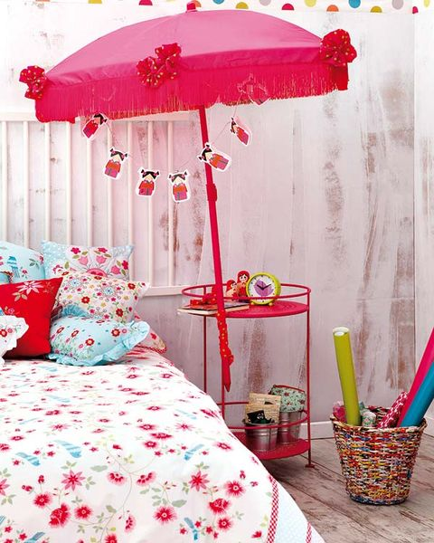 Room, Interior design, Red, Textile, Bedding, Pink, Bed, Linens, Furniture, Bed sheet,