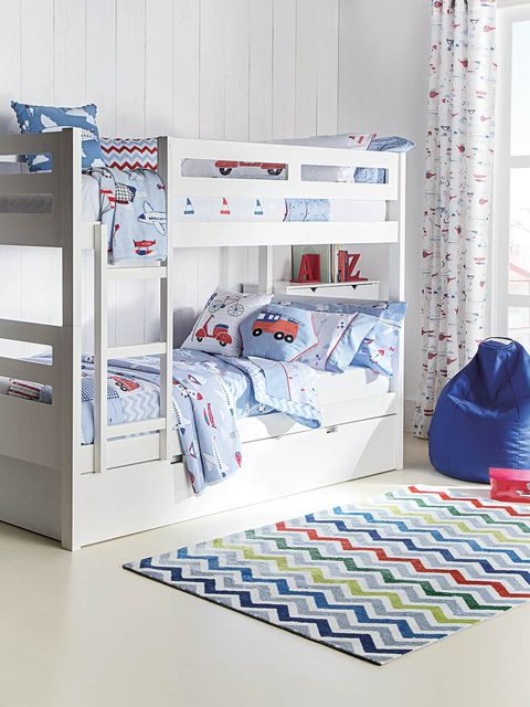 Textile, Interior design, Linens, Bed, Bag, Bedding, Bed sheet, Bedroom, Cabinetry, Shelving,