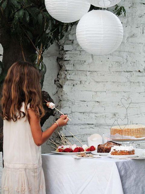 Tablecloth, Textile, Dress, Linens, Cuisine, Dish, Peach, Lantern, Home accessories, Dishware,