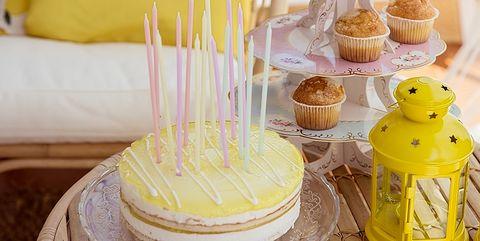Yellow, Cake decorating, Buttercream, Food, Honeybee, Dessert, Baking, Baking cup, Muffin, Party,