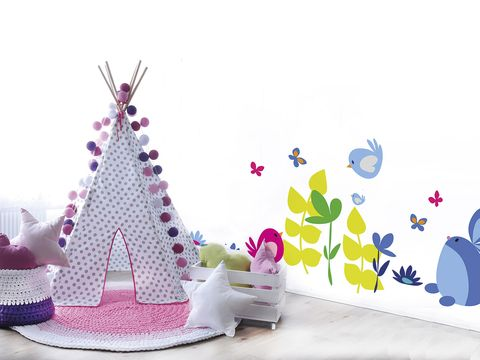 Cake decorating, Cake, Party hat, Cake decorating supply, Sugar paste, Tree, Icing, Dessert, Buttercream, Baked goods,