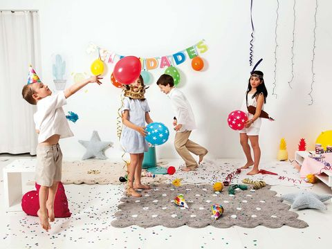 Fun, Party supply, Balloon, People in nature, Party, People on beach, Holiday, Barefoot, Playing with kids, Foot,