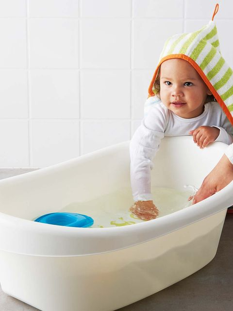 Fluid, Product, Child, Baby & toddler clothing, Bathtub, Toddler, Bathing, Aqua, Plumbing, Baby bathing,