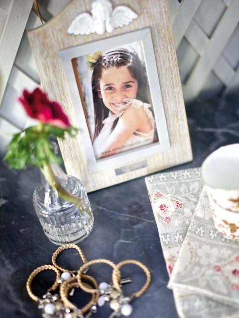 Petal, Drinkware, Bouquet, Cut flowers, Flower Arranging, Centrepiece, Floristry, Rose, Rose family, Artificial flower,