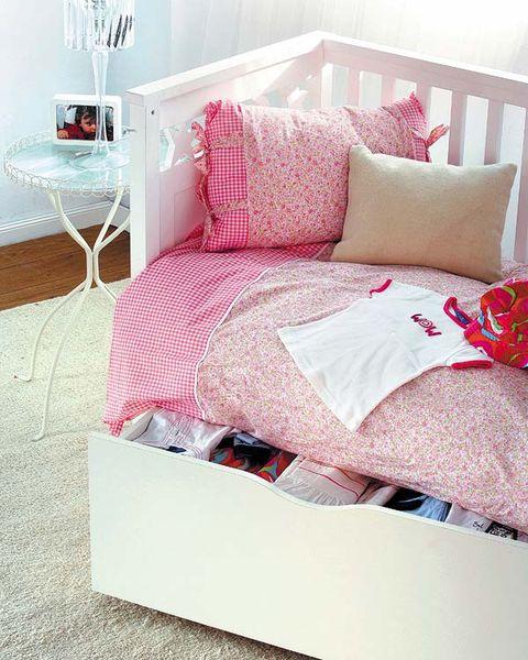 Product, Room, Interior design, Bedding, Textile, Bedroom, Furniture, Red, Pink, Linens,