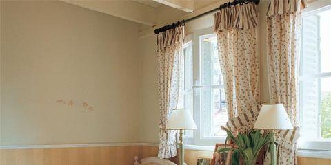 Room, Interior design, Wood, Tablecloth, Textile, Linens, Window treatment, Furniture, Home, Interior design,