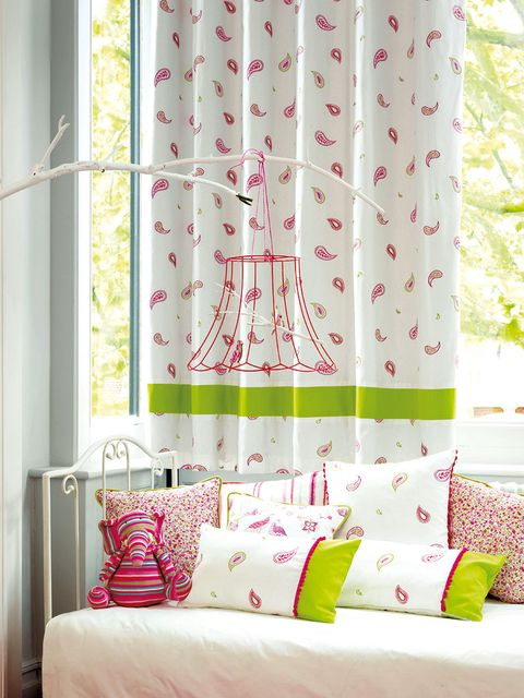 Green, Room, Interior design, Textile, Bedding, Wall, Pink, Bedroom, Linens, Cushion,