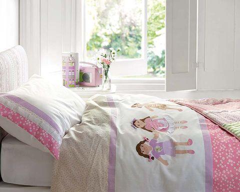 Room, Interior design, Bedding, Textile, Bed sheet, Bedroom, Linens, Pink, Bed, Magenta,