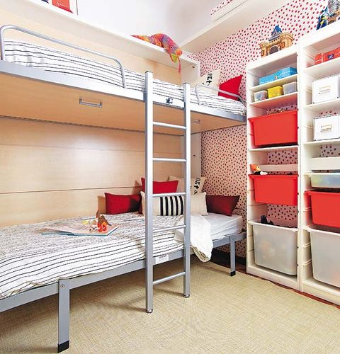 Floor, Room, Interior design, Ceiling, Wall, Bed, Shelf, Dormitory, Shelving, Linens,