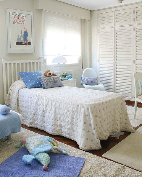 Blue, Room, Interior design, Tablecloth, Floor, Textile, Furniture, Bedding, Linens, Wall,