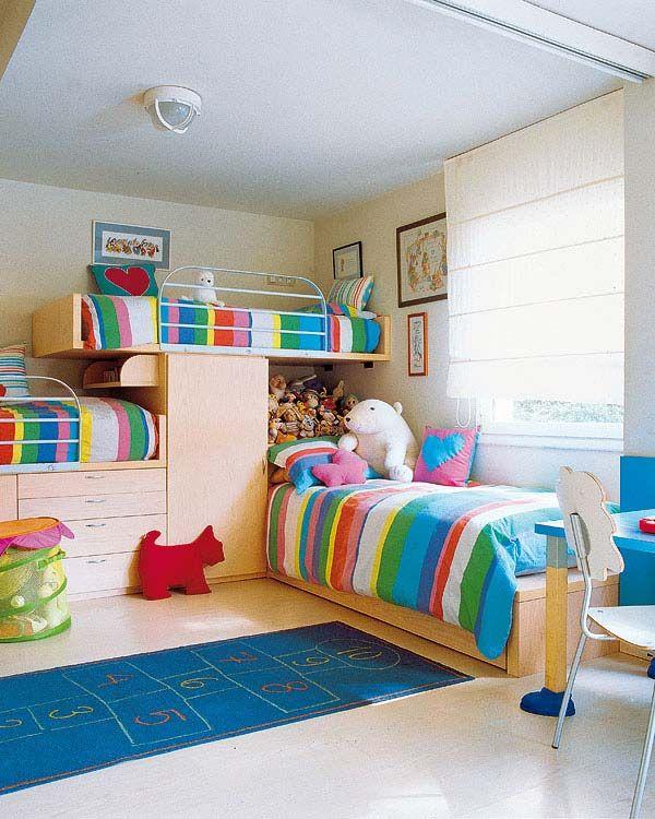 Un dormitorio para tres niños