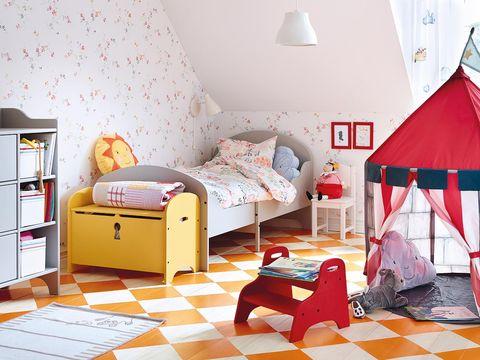 Room, Interior design, Floor, Textile, Bedding, Wall, Home, Bedroom, Bed, Furniture,