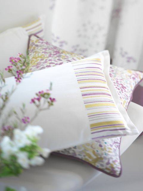 Textile, Linens, Pink, Cushion, Purple, Bedding, Pattern, Petal, Bed sheet, Home accessories,