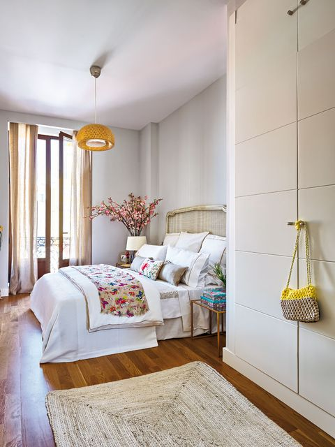 Room, Bed, Interior design, Floor, Yellow, Property, Textile, Bedding, Flooring, Wall,