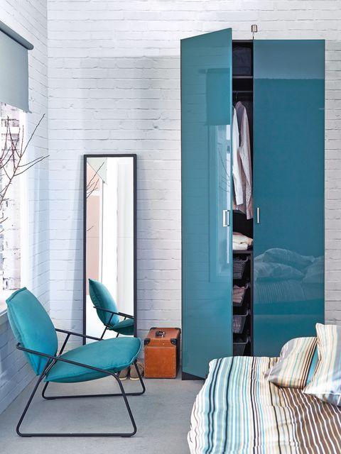 Blue, Room, Teal, Furniture, Turquoise, Wall, Aqua, Floor, Linens, Interior design,