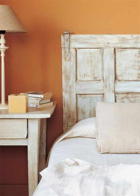 Wood, Bed, Room, Interior design, Lampshade, Wall, Drawer, Bedroom, Bedding, Bed sheet,