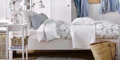 Furniture, Room, Bedroom, Bed, Interior design, Bedding, studio couch, Wall, Bed sheet, Bed frame,