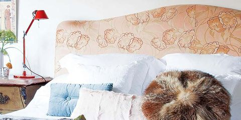 Textile, Room, Bedding, Linens, Bedroom, Bed sheet, Bed, Cushion, Home accessories, Blanket,
