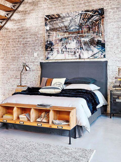 Room, Interior design, Bed, Textile, Wall, Furniture, Linens, Bedroom, Bedding, Bed sheet,