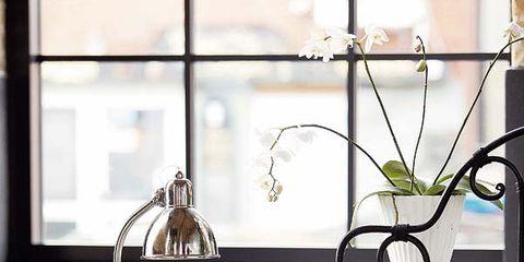 Room, Interior design, Linens, Bedding, Interior design, Home accessories, Bedroom, Bed sheet, Centrepiece, Lamp,