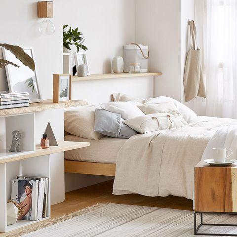 Room, Interior design, Textile, Wall, Linens, Bedding, Shelving, Furniture, Home, Bedroom,