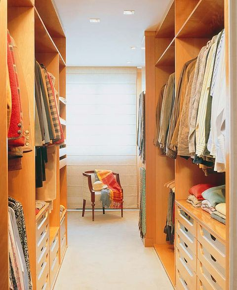 Room, Interior design, Floor, Interior design, Drawer, Ceiling, Shelving, Cabinetry, Dresser, Chest of drawers,