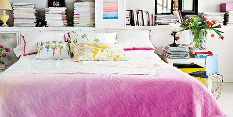 Bed sheet, Bedding, Pink, Furniture, Textile, Bedroom, Room, Purple, Yellow, Bed,