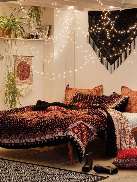 Interior design, Textile, Room, Interior design, Linens, Decoration, Home accessories, Bedroom, Bedding, Bed,