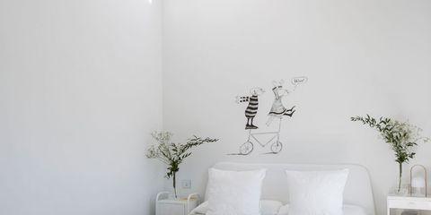 Bed sheet, Bedding, White, Bedroom, Furniture, Room, Bed, Bed frame, Textile, Linens,