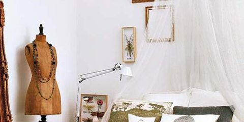 Room, Interior design, Textile, Bedding, Linens, Bed, Furniture, Bedroom, Wall, Bed sheet,
