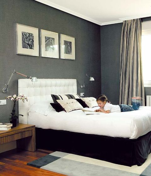 Room, Interior design, Bed, Textile, Bedroom, Wall, Bedding, Bed sheet, Comfort, Furniture,