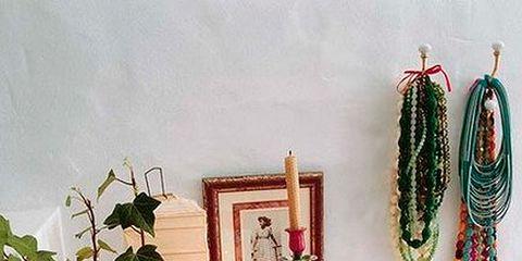 Serveware, Dishware, Interior design, Porcelain, Flowerpot, Teal, Creative arts, Plate, Platter, Ceramic,