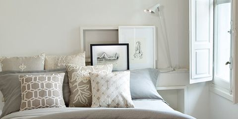 Bed, Bedding, Room, Interior design, Property, Bedroom, Bed sheet, Architecture, Textile, Photograph,