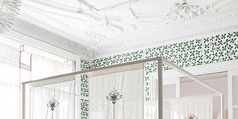 Room, Interior design, Wood, Floor, Bed, Property, Textile, Flooring, Bedding, Wall,