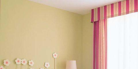 Tablecloth, Interior design, Room, Property, Bed, Floor, Textile, Bedding, Wall, Bedroom,