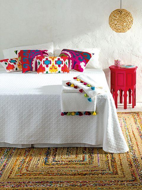 Room, Textile, Tablecloth, Interior design, Linens, Furniture, Interior design, Bedding, Decoration, Home accessories,