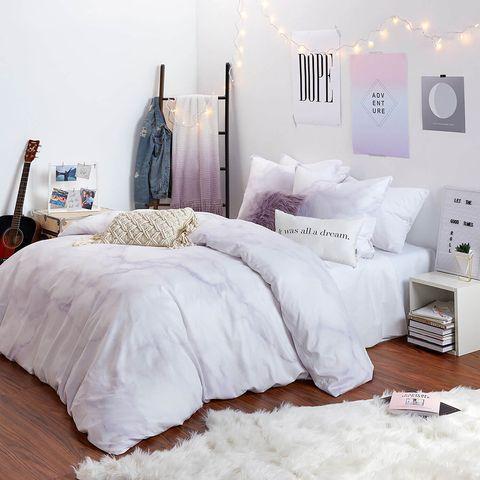 Bedroom, Bed sheet, Bed, Bedding, Furniture, White, Room, Bed frame, Duvet, Duvet cover,