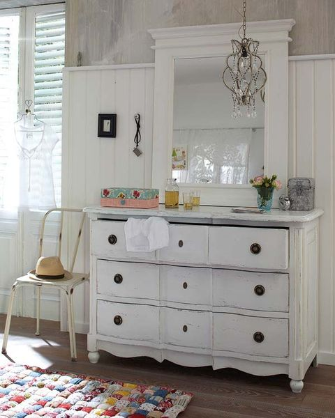 Room, Drawer, Floor, Interior design, White, Furniture, Home, Cabinetry, Flooring, Chest of drawers,